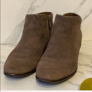 Crown Vintage Shoes - VTG-BOHO Tan Crown Leather Suede Booties-Size 7